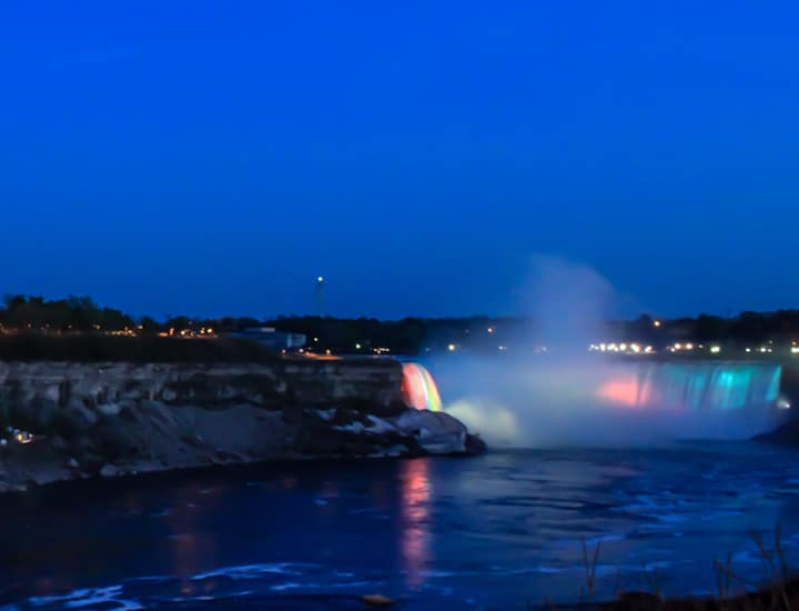 An Epic Evening In Niagara Falls Tour